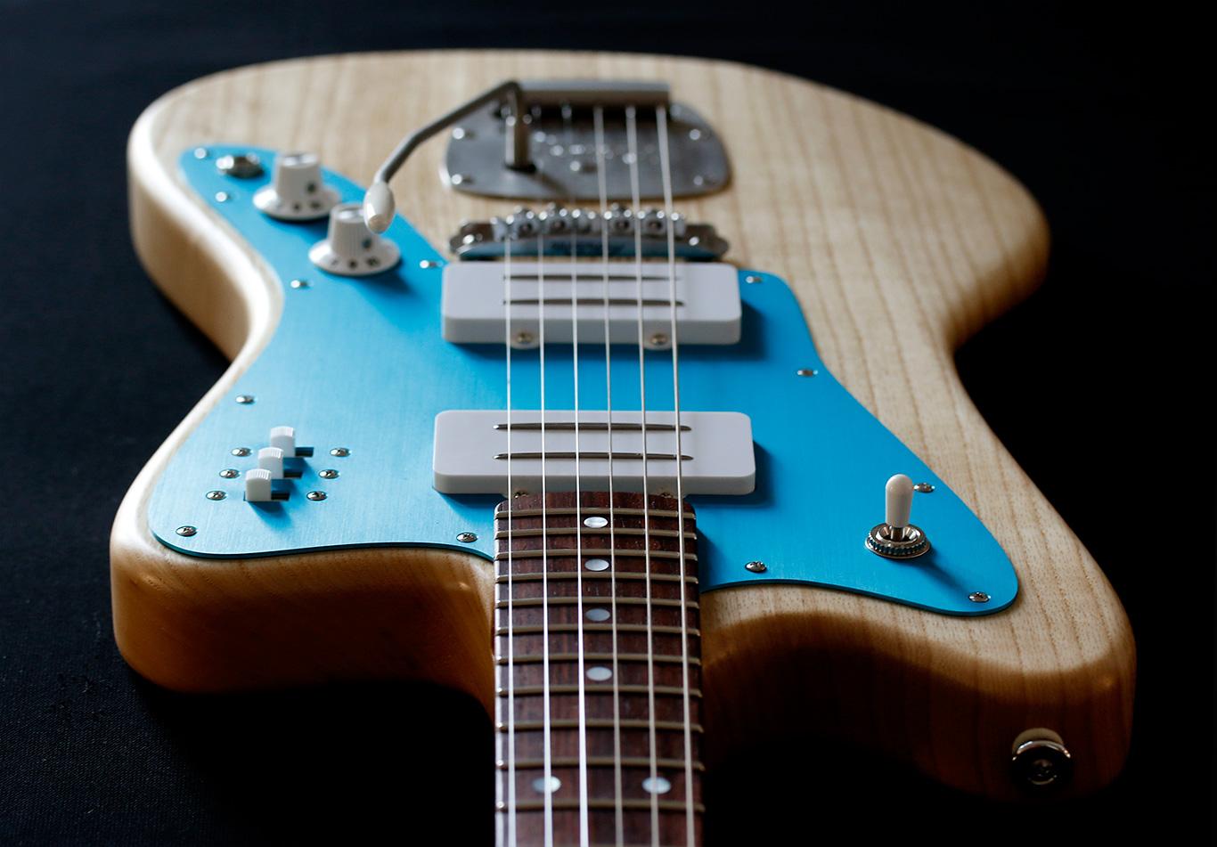 Deimel Firestar »Natural Satin« w/ »Turquoise« aluminum anodized pickguard