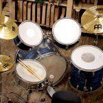 Deimel Guitarworks - taking a break on the drums