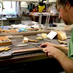 Deimel Guitarworks - Frank is sawing frets
